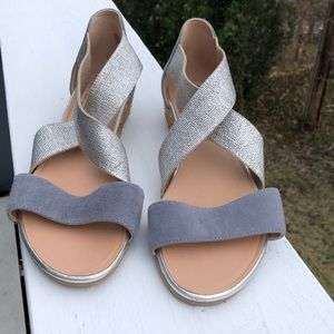 Eric Michael low wedge sandals New